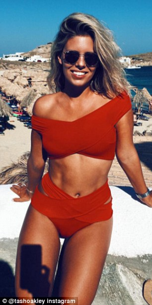 Instagram Sensation Natasha Oakley Shown In Real Life