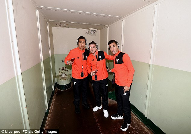 Firmino, Moreno and Coutinho check out a cell in the prison, which was open between 1934 and 1963