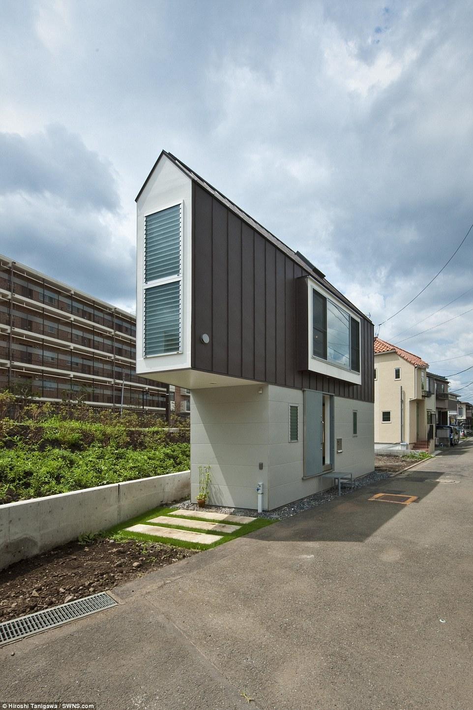 Permesso di parcheggio: Data la densità di popolazione del Giappone, il parcheggio non può essere facile, ma la casa è dotato di un proprio spazio privato