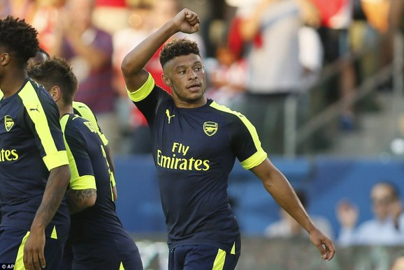 Alex Oxlade-Chamberlain's strike capped an impressive Arsenal victory as the Gunners beat Chivas 3-1 in Los Angeles