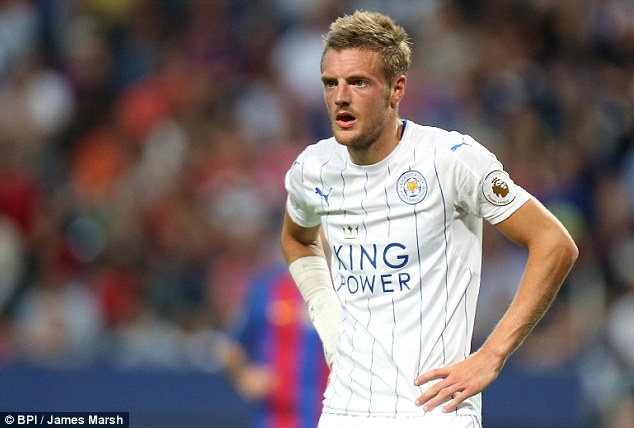 Jamie Vardy should be available for Sunday's match despite undergoing wrist surgery