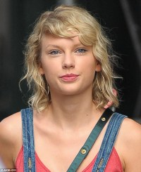 Taylor Swift's fans take to Twitter after she's spotted ...