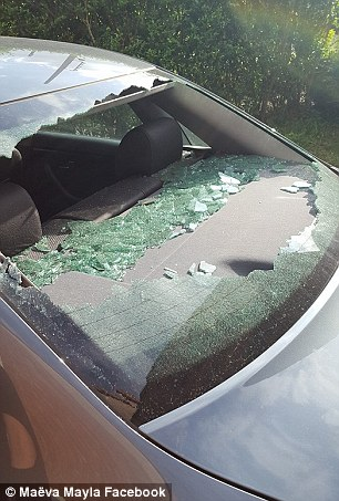 The rear windscreen was smashed