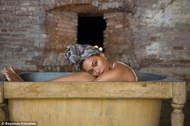 Making a splash: The Queen Bey posed in a tub