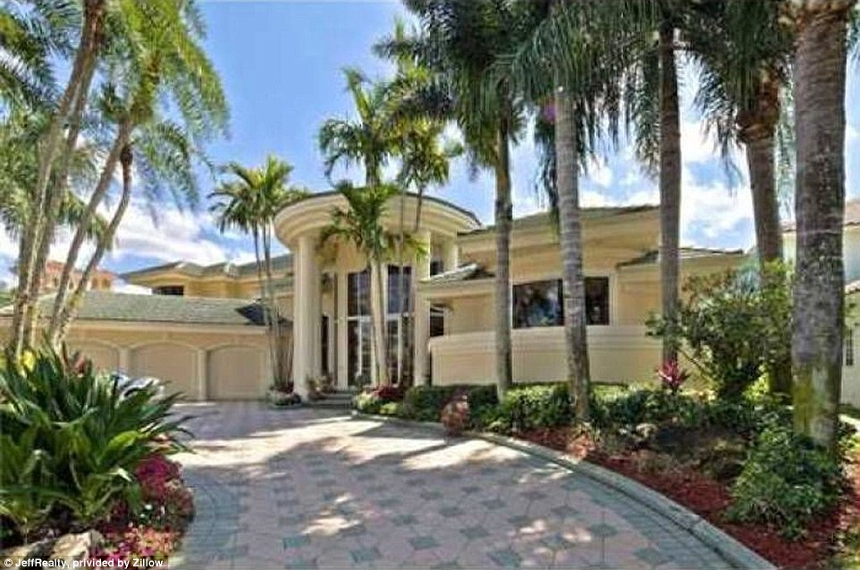 Dr Ben Carson spends 43m for a Palm Beach villa  Daily