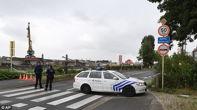 The institute, which is in the Neder-Over-Hembeek suburb of northern Brussels, assists and advises Belgium's justice authorities in carrying out their inquiries. Police cordoned off the area after the attack