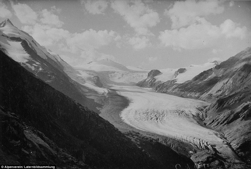 Nel 1920, il più grande ghiacciaio dell'Austria, Pasterze, era una lingua impressionante di ghiaccio che si estendeva a sud-est (nella foto)