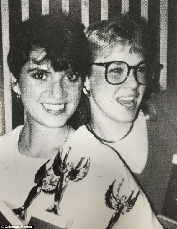 Renee Zellweger surprises classmates at reunion in Texas