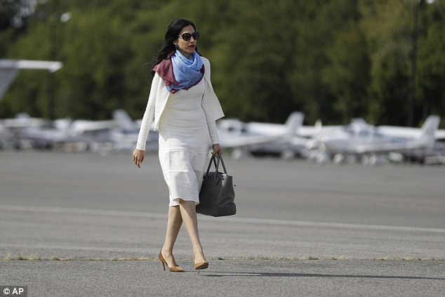 Human Abedin revealed to the FBI that the White House was informed when Clinton changed her primary email address as it could only receive messages from designated accounts
