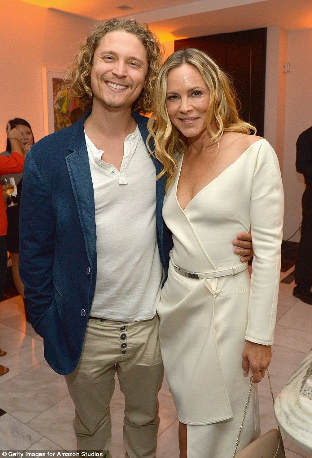 Maria Bello flashes gold ring on wedding finger that may be from beau Elijah AllanBlitz  Daily