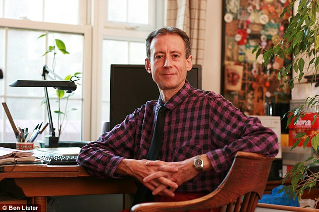 Campaigner Peter Tatchell has called for Shaykh Hamza Sodagar's visa to be revoked
