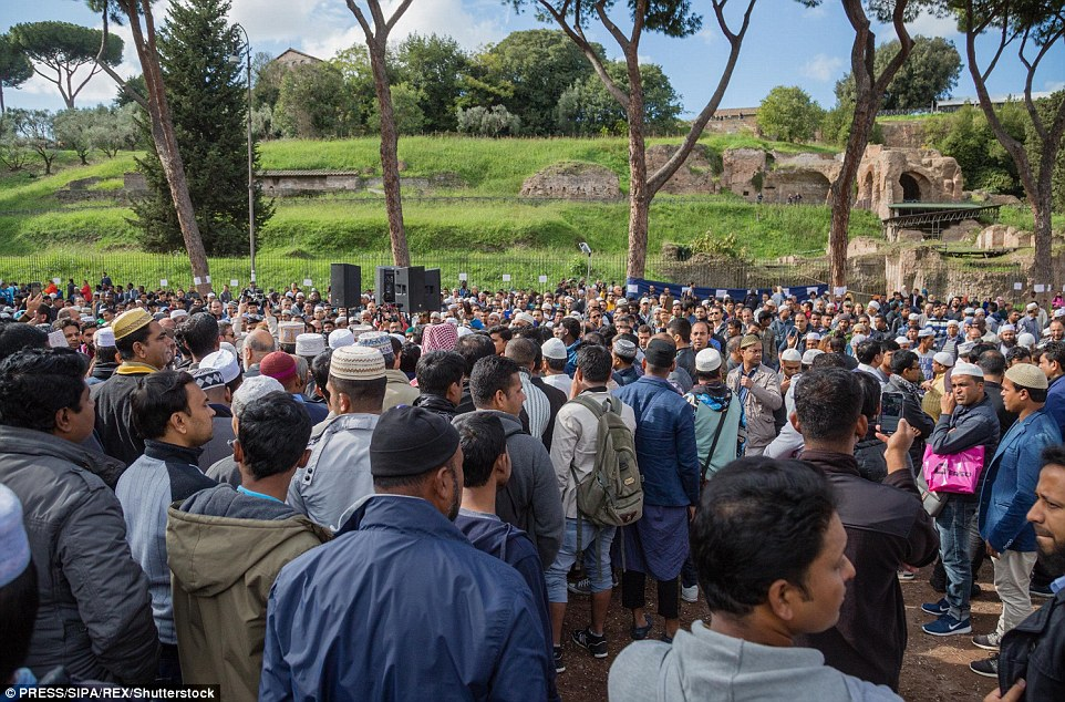 In a statement police said they guarantee freedom of thought, but within a legal framework. They also confirmed the closure of some places of prayer