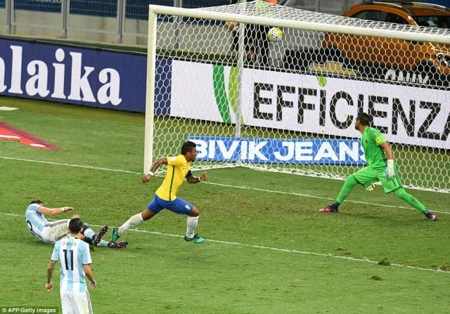 The advantage was soon three, though, as Guangzhou Evergrande midfielder Paulinho poked the ball home past Romero