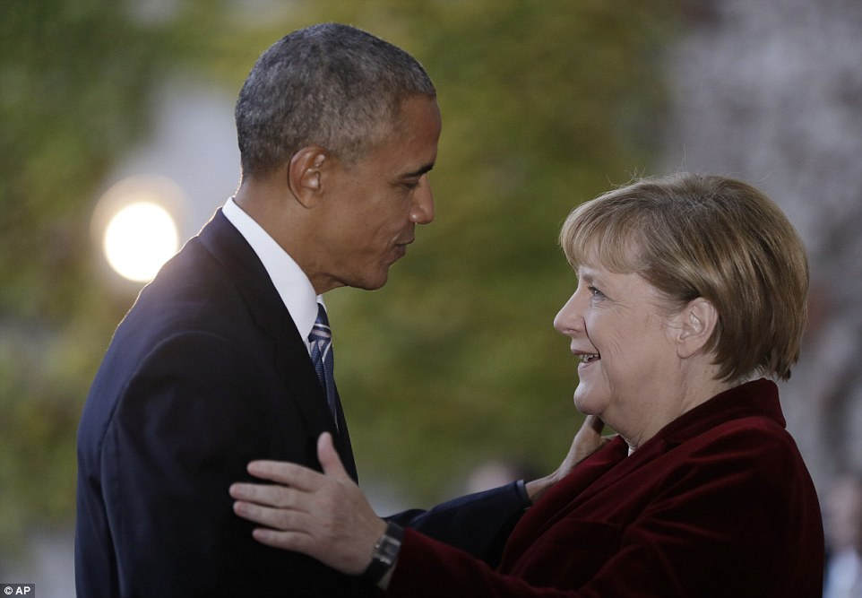 Visita: Oggi, il presidente degli Stati Uniti è stato accolto anche dalla Merkel al suo arrivo per un incontro presso la Cancelleria federale a Berlino