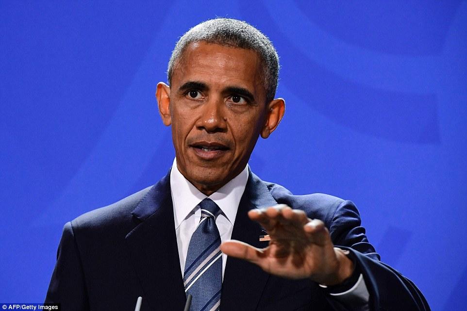 All'inizio del viaggio, Obama ha parlato anche il nuovo presidente eletto degli Stati Uniti, dicendo che ha consigliato Trump a moderare il tono mentre si passa da una campagna per governare