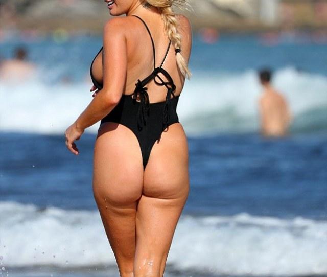 Zilda Has A Booty To Rival The Curviest Kardashian