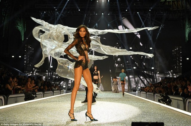 Pause for effect: Cindy stole the show with her endless legs and sassy attitude as she strutted her stuff