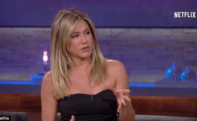 Jennifer Aniston Tells Chelsea Handler She Wants To Return