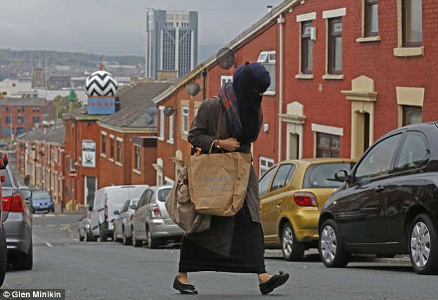 Muslim families tend to concentrate around mosques