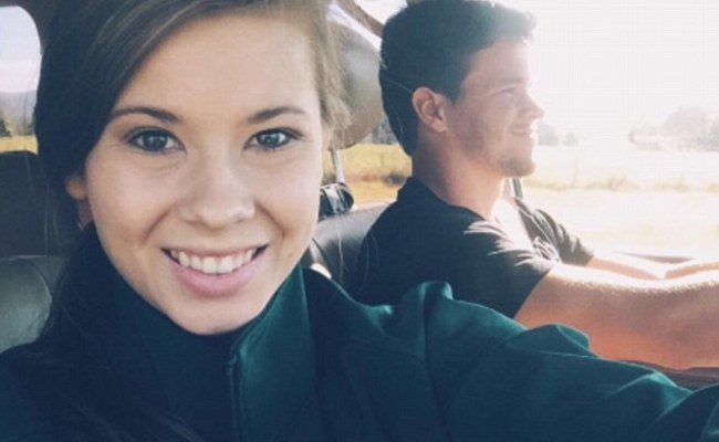 Bindi Irwin Waves Goodbye To Her American Boyfriend Powell