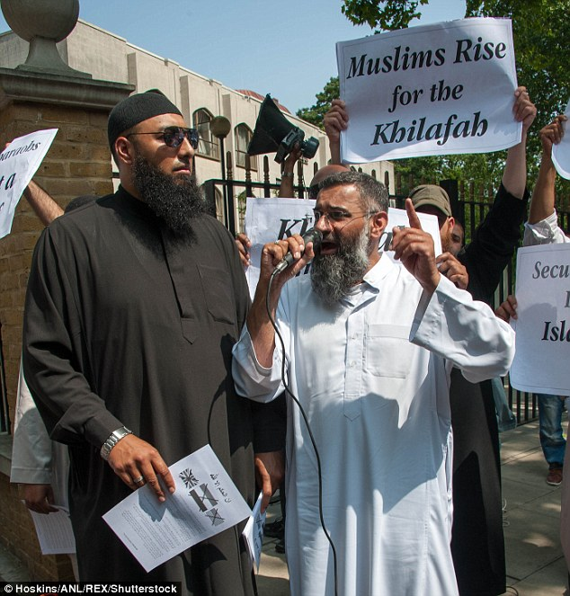 Anjem Choudary outside Regents Park mosque in 2013 alongside Mohammed Reza Haque