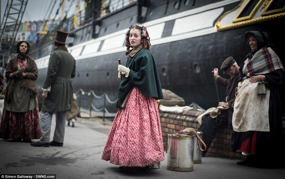 Victorian Re Enactors Show How Lower Classes Looked At