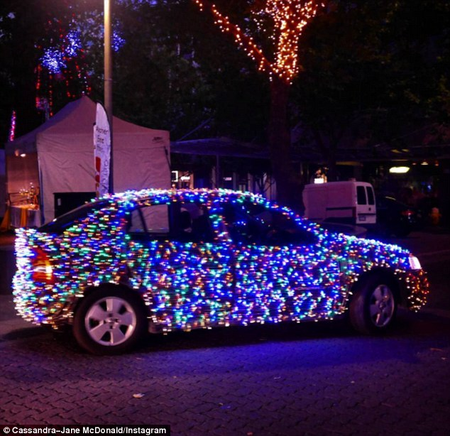 Driver Covers His Car In 10 000 Fairy Lights To Spread Festive Cheer Daily Mail Online