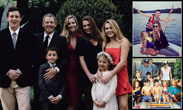Lance Armstrong Shares Christmas Card Photo With Five