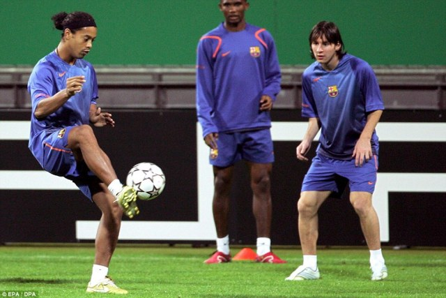 Ronaldinho (left), Samuel Eto'o and Messi practise together in training during Messi's early stages in the Barcelona first team