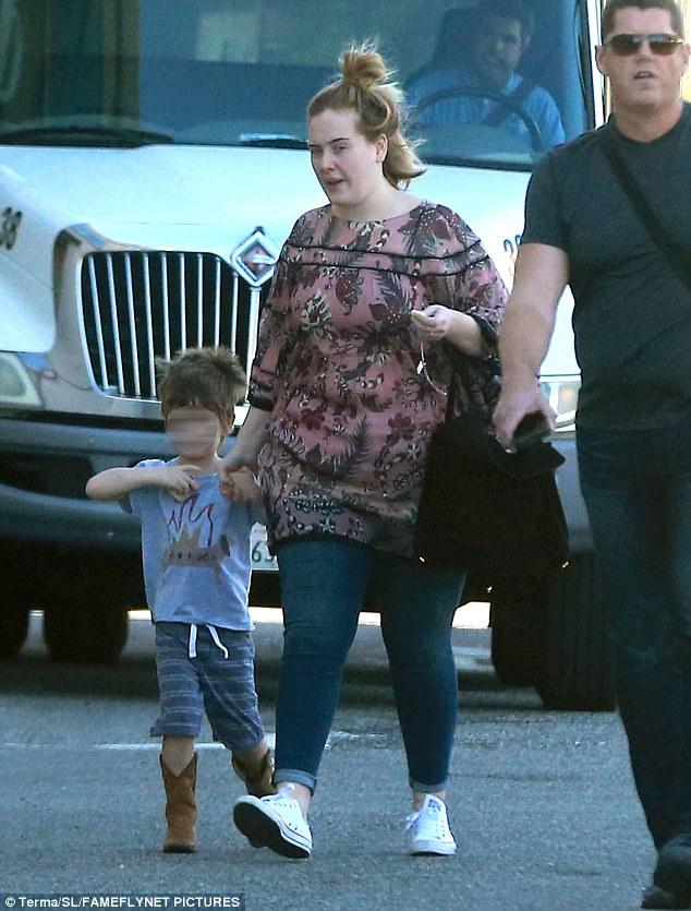 How Many Kids Does Adele Have : adele, Adele, Angelo