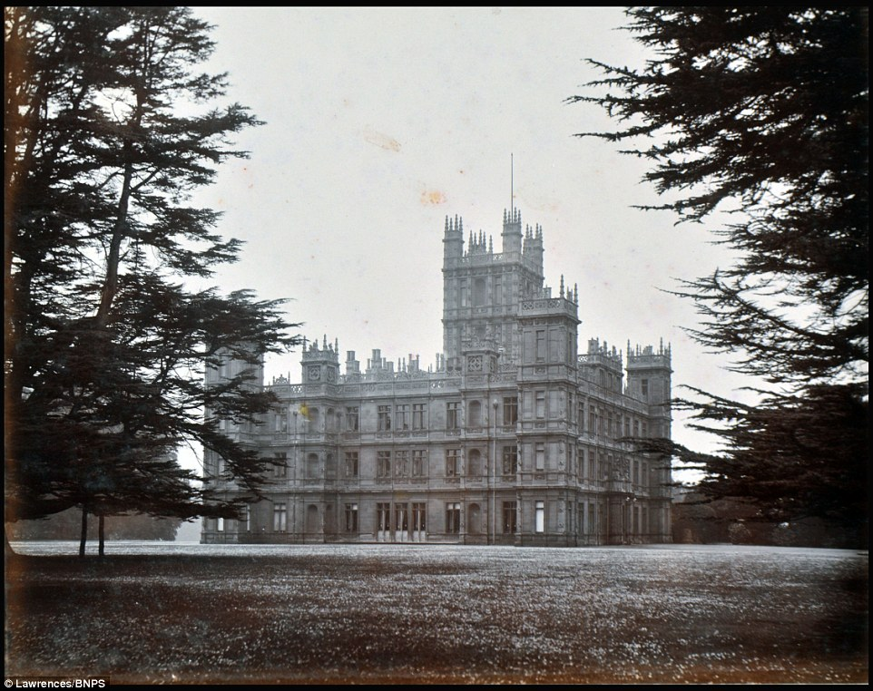 Incredible Photographs Show The Real Downton Abbey Set At