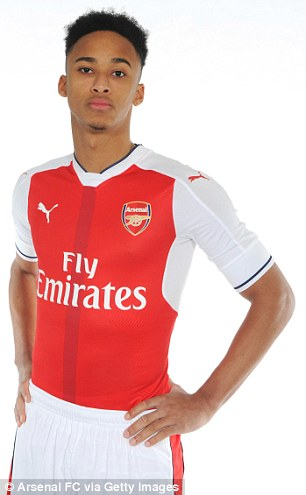 He dons his new's side's home kit