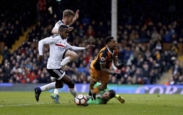 Hull City's Abel Hernandez wins a second penalty after being brought down by Fulham goalkeeper Marcus Bettinelli during the English FA Cup, Fourth Round matc...