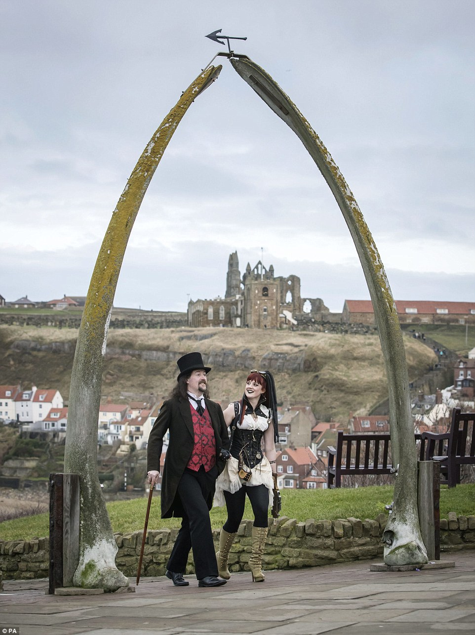 Whitby Hosts Gothic Weekend Daily Mail Online