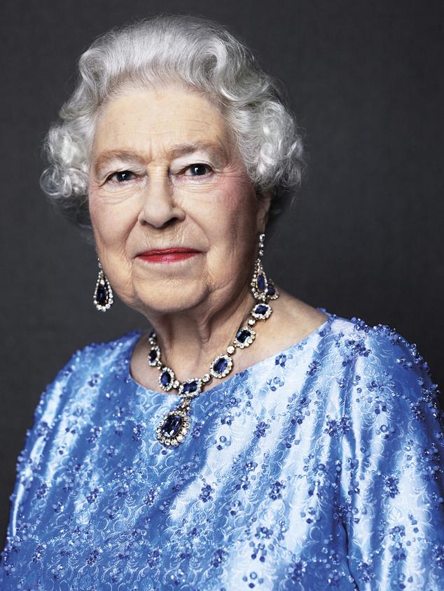 Esta foto pelo fotógrafo inglês David Bailey da rainha Elizabeth II de Grâ Bretanha, tomada para a GRANDE campanha em 2014, e é reeditada agora segunda-feira 6 de fevereiro de 201 ...