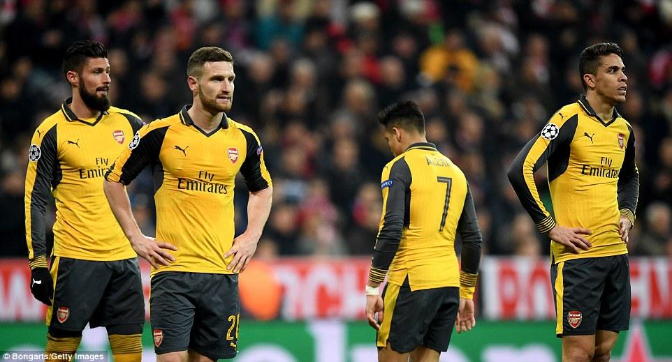 Olivier Giroud,Shkodran Mustafi, Alexis Sanchez and Gabriel watch on after suffering a European mauling in Munich