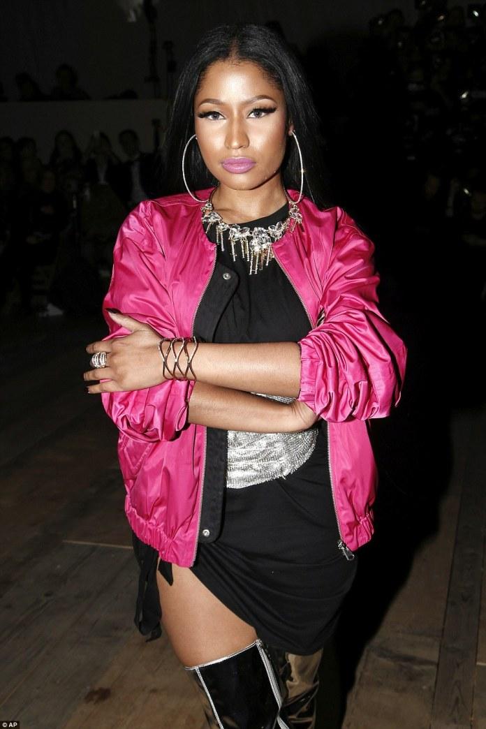Nicki Minaj nawe yari yitabiriye Paris Fashion Week