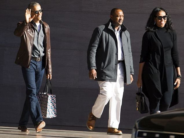 Barack Obama steps out amid wiretapping claims in DC
