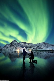 Couple' Proposal In Front Of Northern Lights