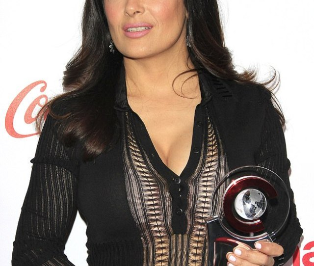 Double Threat Salma Hayek Stole The Show In Both Style And Acting Terms On Thursday