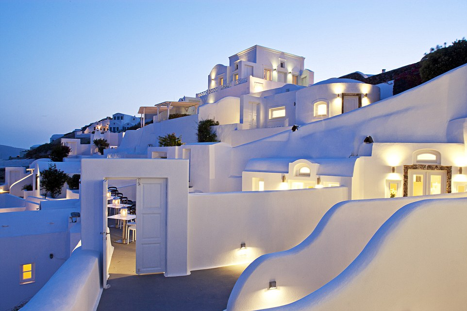 The hotel looks particularly enticing as the sun sets, its white-washed walls have a soothing effect as they glow in the gloaming