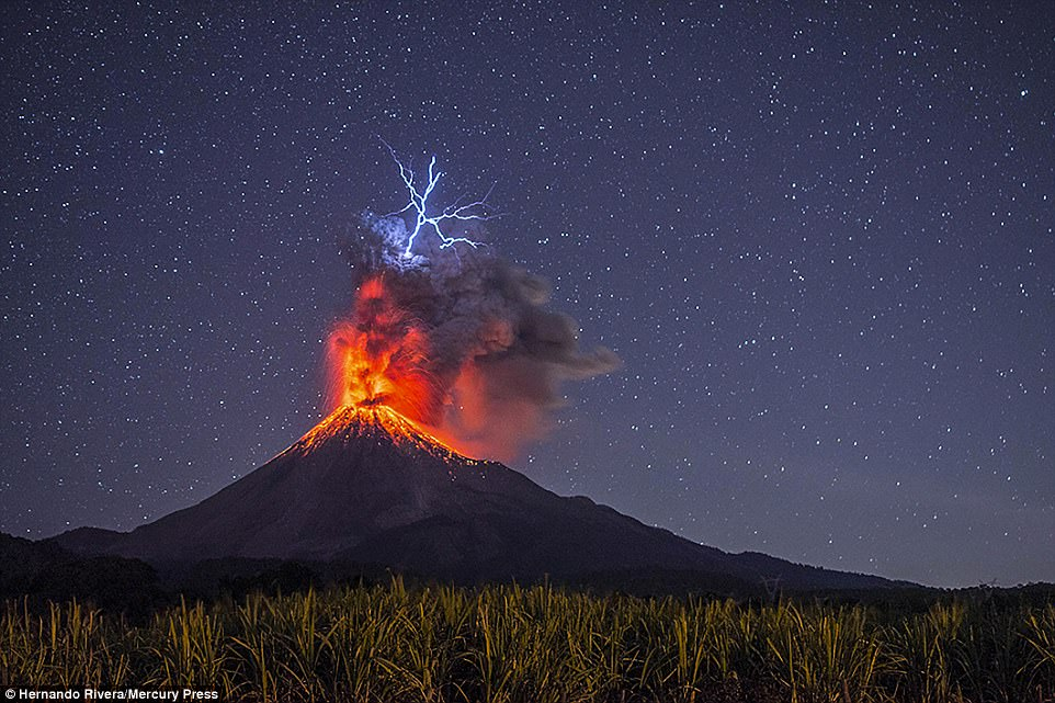 The Most Jaw Dropping Photos Of Erupting Volcanoes Ever