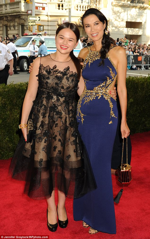 Wendi Murdoch Takes Daughters Chloe And Grace To Met Ball