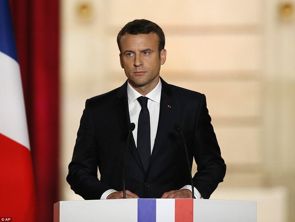 """O novo presidente francês, Emmanuel Macron, proferiu um discurso durante a sua inauguração no Palácio do Eliseu, onde disse que a França estava à beira de um novo """"renascimento"""""""