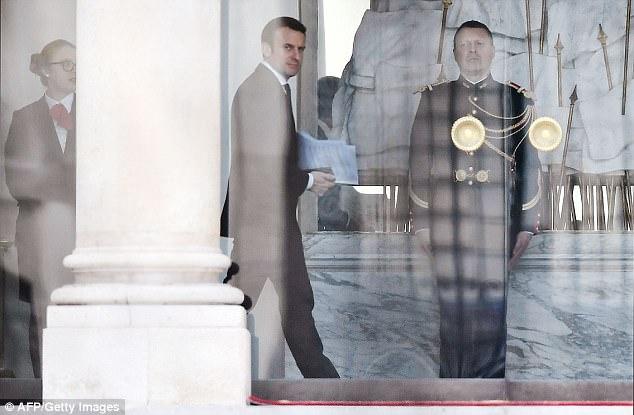 Edouard Philippe, de 46 años, actualmente un partido republicano MP, ahora se convertirá en el principal lugarteniente del presidente Emmanuel Macron.  Macron se representa en el Elíseo hoy