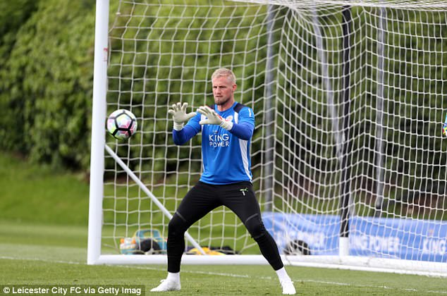 Caballero would like to sign a new deal but it is Schmeichel who interests the club this summer