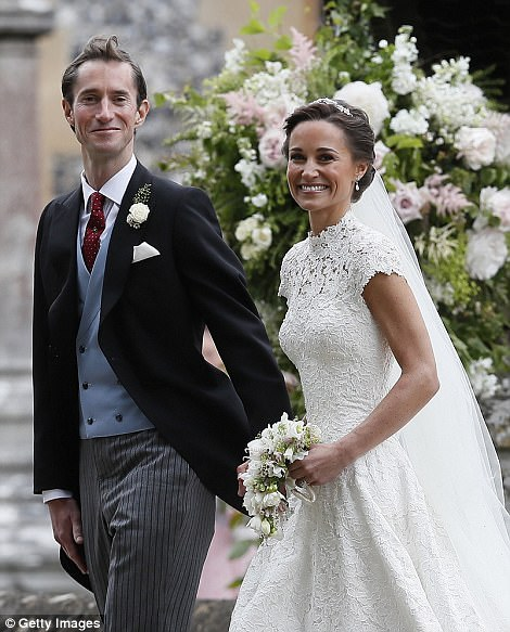 Informed sources have told The Mail on Sunday that Pippa Middleton and James Matthews will arrive tomorrow at Tetiaroa