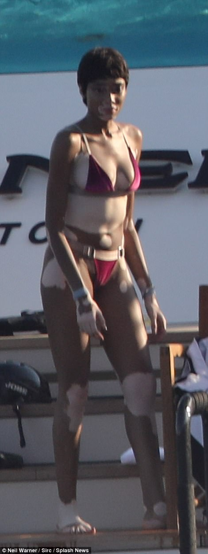 KATCHING MY I Winnie Harlow Shows Off Her Sensational Figure In Skimpy Thong Bikini As She
