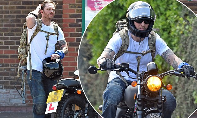 Baltimore Car Wallpaper Tom Hardy Displays L Plates On His Bike In London Daily
