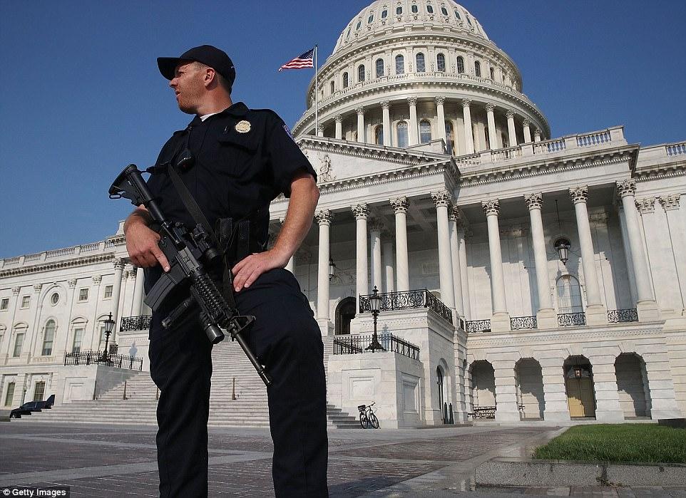 No se intensificó la seguridad en la capital después de los disparos el miércoles por la mañana